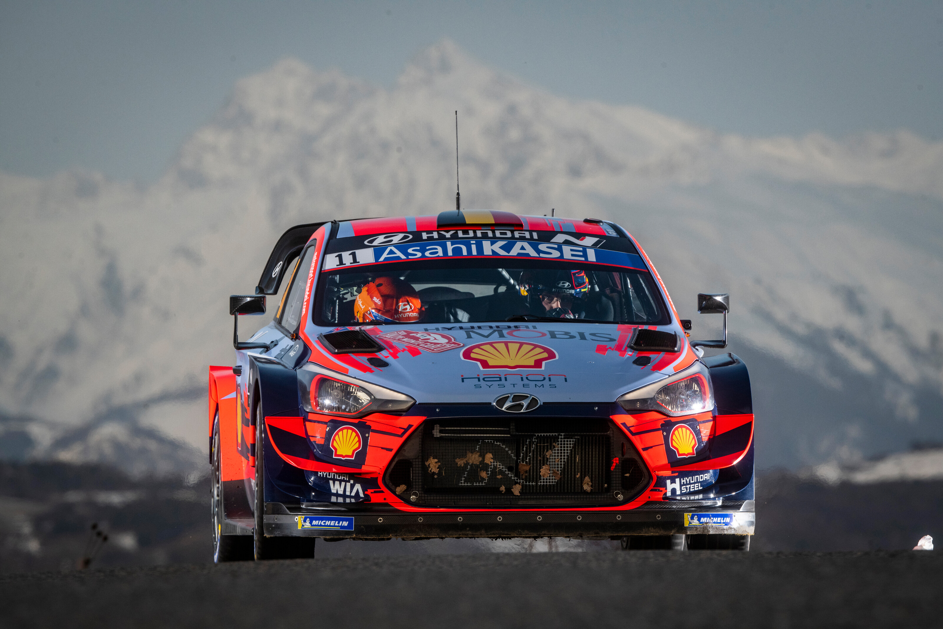 Neuville Sur Sarthe Le Mans neuville claims maiden monte success with hyundai/michelin